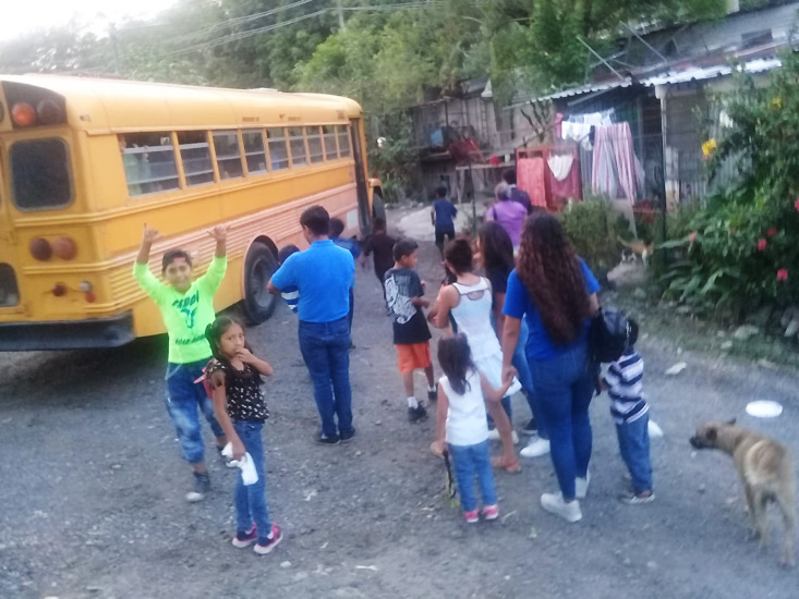 Campos Blancos School Bus